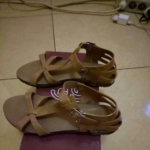 Sendal Sepatu Mrk Cerelia Size36 Free Ongkir Jabotabek