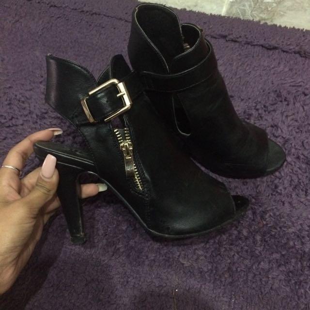 Size 6 Black Open Toe Booties
