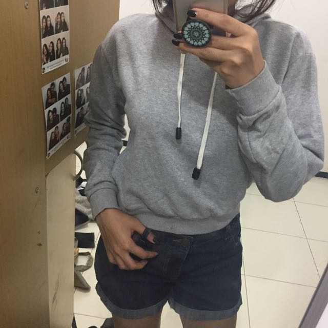 Sweater Abu-abu Crop