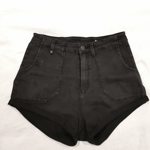 Thrills black denim shorts size S would fit an M