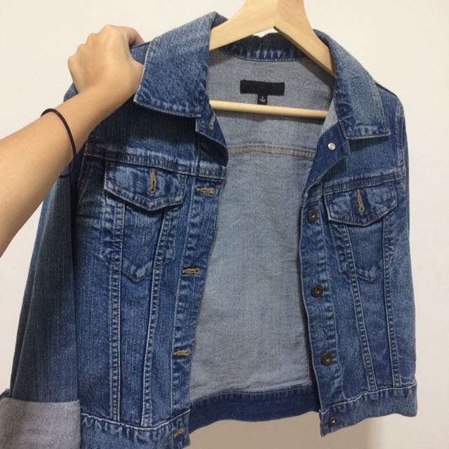 Uniqlo Denim Jacket Women S Fashion Clothes Outerwear On Carousell