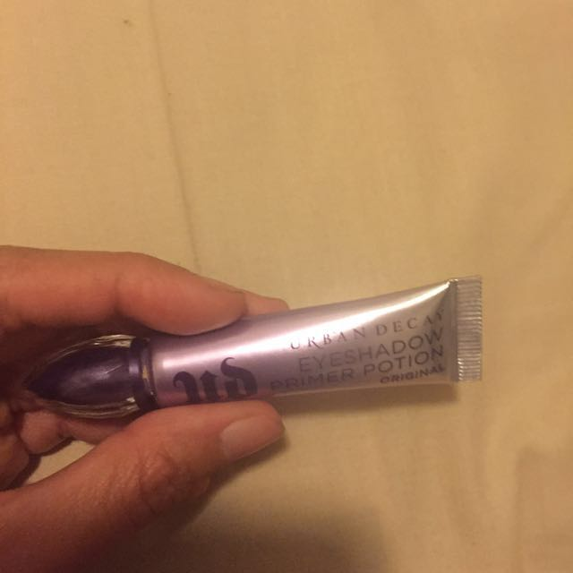 Urban Decay eyeshadow primer