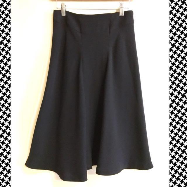 Zara Woman Black Midi Flared Skirt (US4)