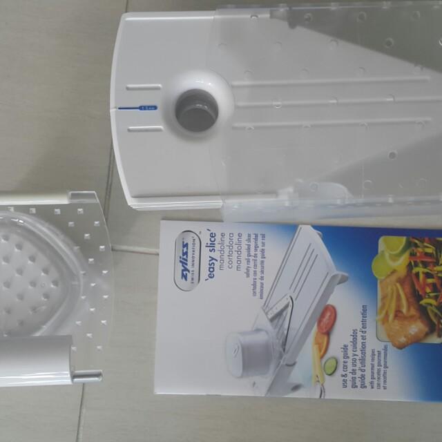 Zyliss Easy Slice Mandoline Slicer New In box - Bargain Sale