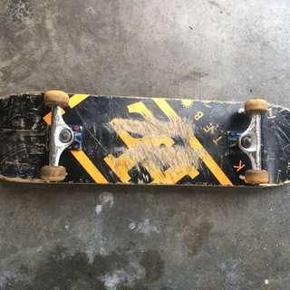 Skateboard Detail . Deck hz . Truck thunder . Bearing speed demon . Wheel girl . Ws or call 0123213957 (arsyad) neggo till let go