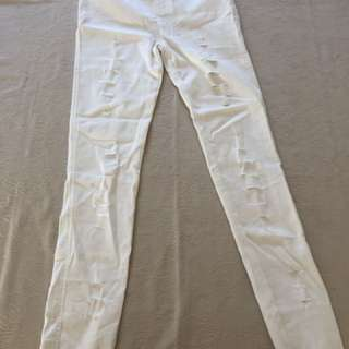 BNWT Ripped look white jeggings size 12/14