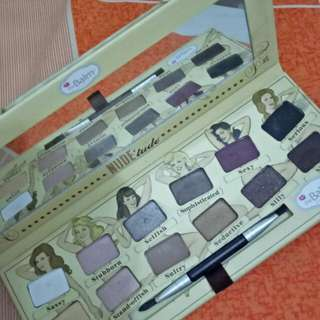 The balm nude tude eyeshadow pallete