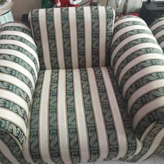 REPRICED Elegant Design Couch from 3000 to 2000