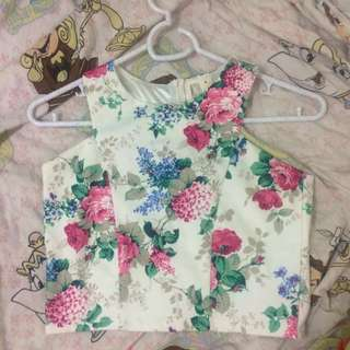 BENCH FLORAL CROP TOP