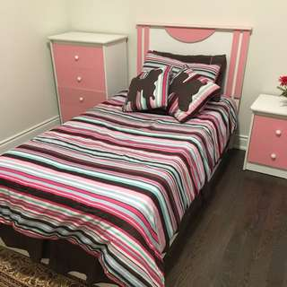 Kids Twin Bed Set Complete in Pink