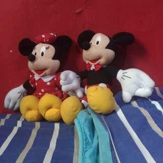 Boneka Mickey dan Minnie Mouse