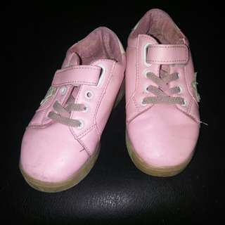 Pink rubber shoes (size 30)