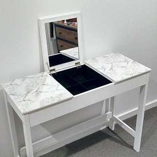 Marble print dresser