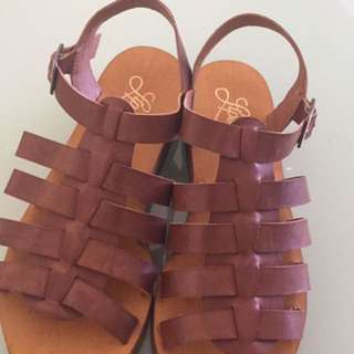 Lipstik sandal