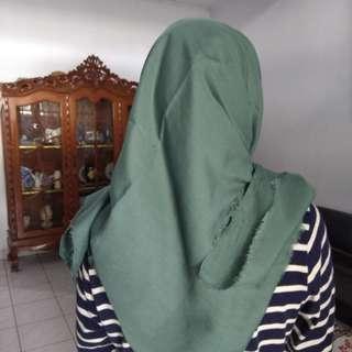 Saudia segi4 hijau lumut