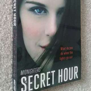 The Secret Hour by Scott Westerfeld - Young Adult Fiction, Fantasy, Paranormal, Scifi