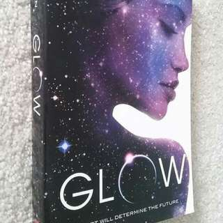 Glow by Amy Kathleen Ryan - Young Adult Fiction, Scifi, Dystopia, Romance