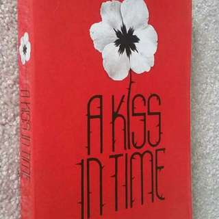 A Kiss in Time by Alex Flinn - Young Adult Fiction, Fantasy, Romance, Fairy Tale Retelling