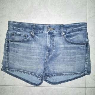 uniqlo light denim shorts