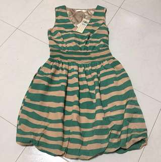 Beige and Green Dress w Pockets