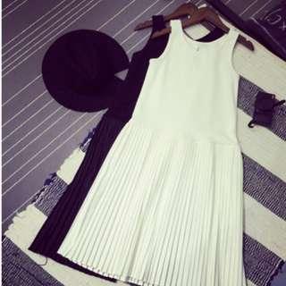 (含運)白色百摺內搭裙