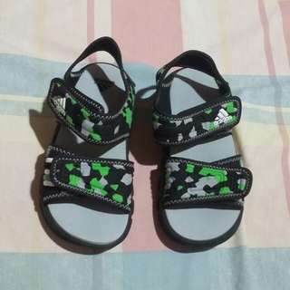 REPRICED!PRELOVED AUTHENTIC ADIDAS SANDAL KIDS (19CM)