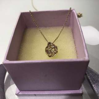 Rose gold color necklace with 3 different pendant