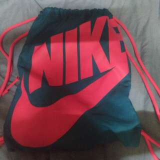 Orig Nike String Bag (used several times only) original price is 1, 790 just bought it last month hehe