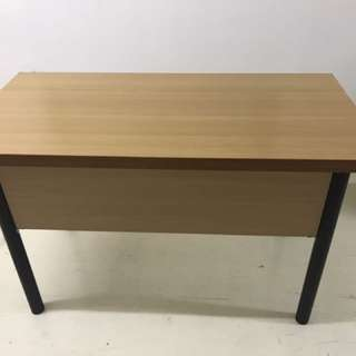 New tables 4/6 ft
