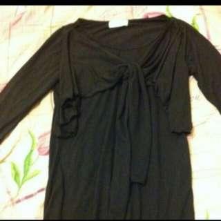 🚚 黑色上衣