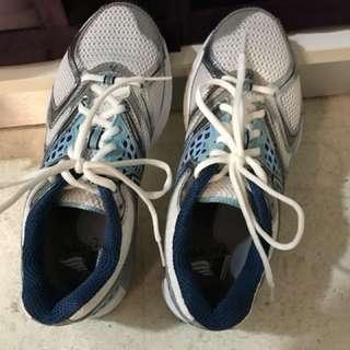 NB 940 Wide Woman Running Shoe