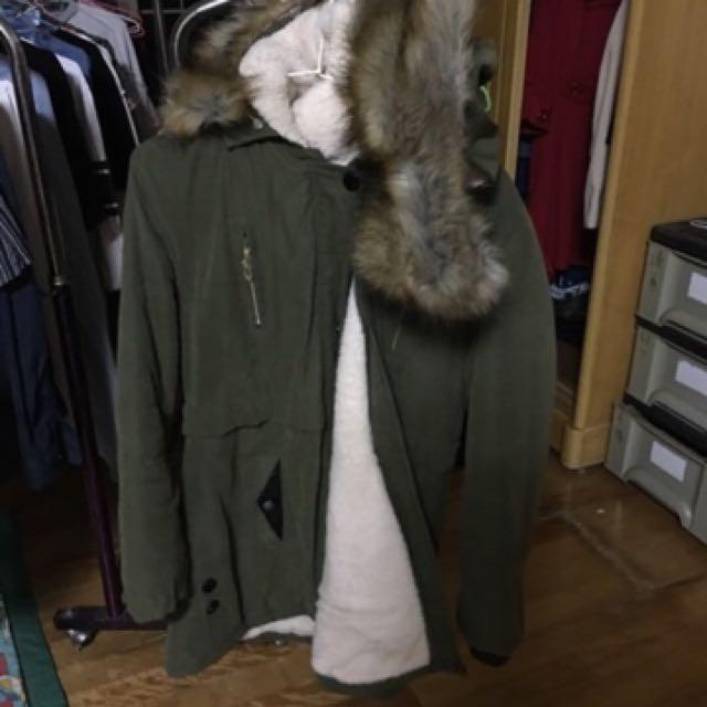 軍綠色暖暖毛領大衣