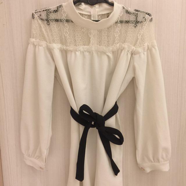 轉賣 正韓蕾絲拼接設計洋裝短洋
