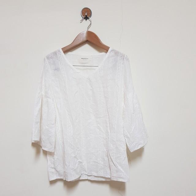 韓製 小清新 刺繡蕾絲寬袖上衣