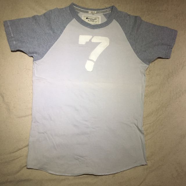Abercrombie, muscle fit small