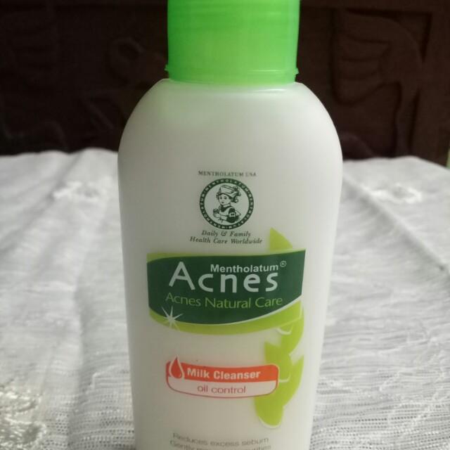 Acnes Oil Control Milk Cleanser