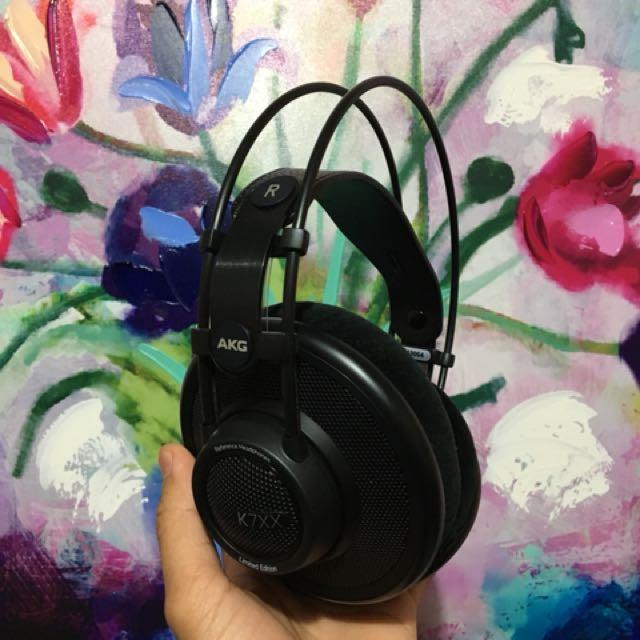 AKG K7XX headphone