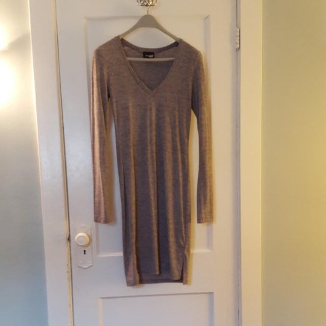 Aritzia Wilfred Free Grey Long Sleeve Dress