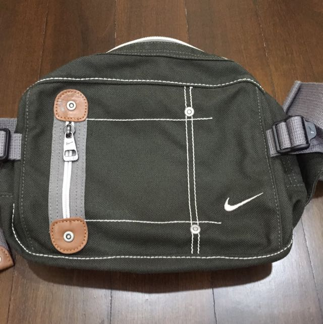 Authentic Nike Waist Pouch  Bag, Sports on Carousell de51ca3c69