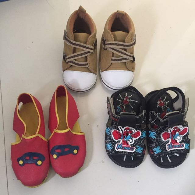 Baby shoes & slippers 6mos-1yr