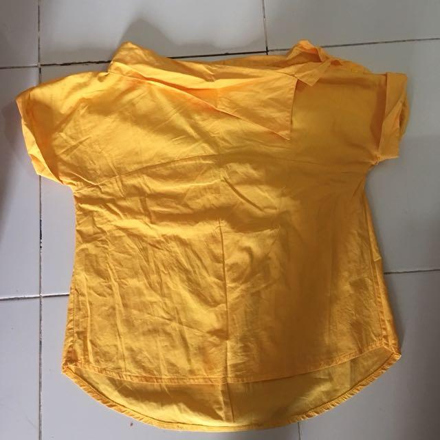 Baju kerah miring kuning