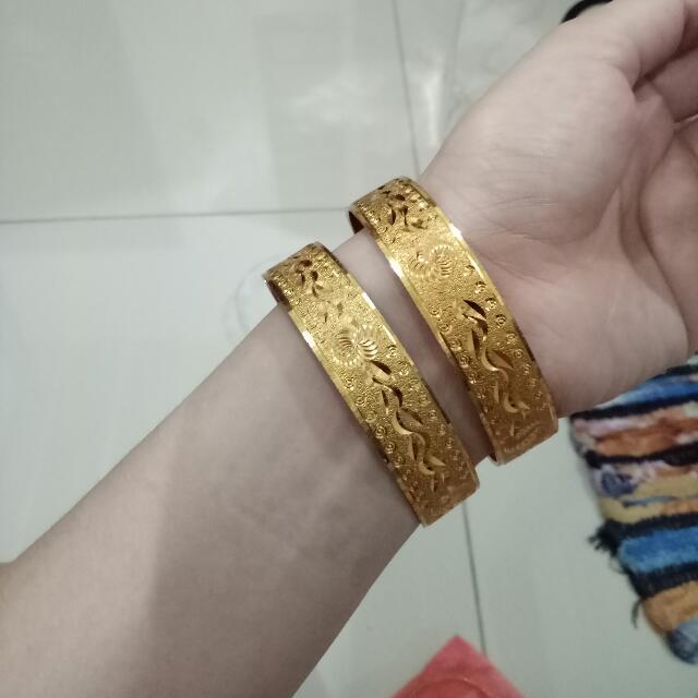 Bangle (500p each)