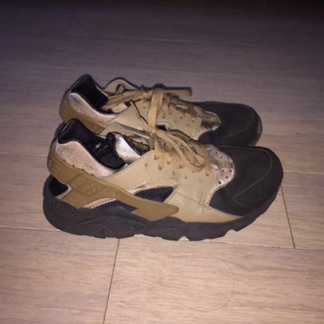 Black and brown Nike huaraches