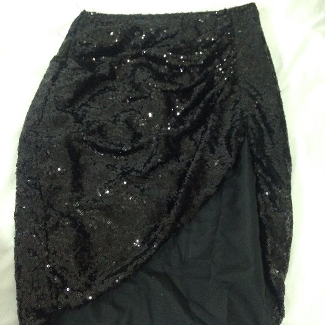 Black sequin skirt (with slit t the side)