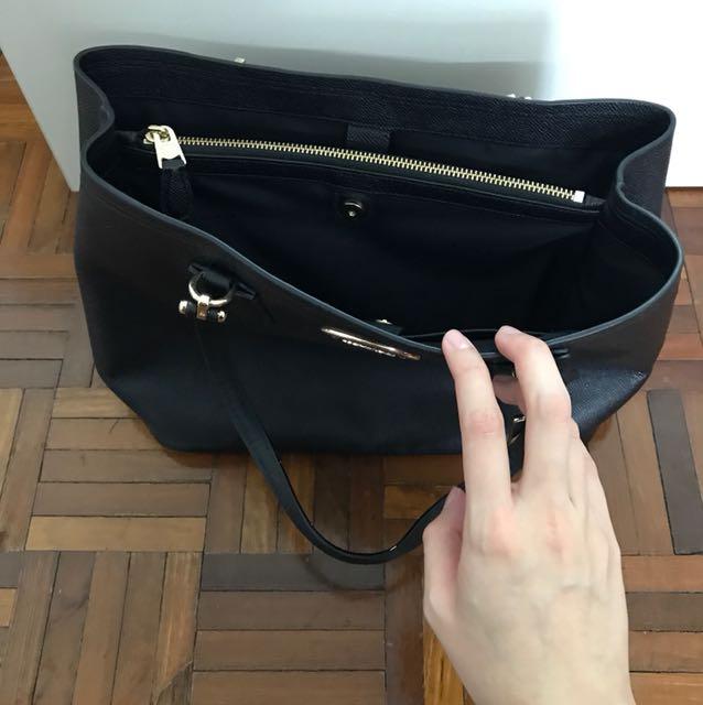 579dd01fa2 ... france brand new coach shoulder bag fesyen wanita beg dan beg duit di  carousell 1036c 8ab2f ...