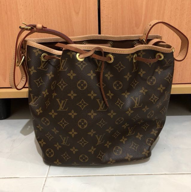5091700bb7 Brand new in box Louis Vuitton bag, Women's Fashion, Bags & Wallets ...