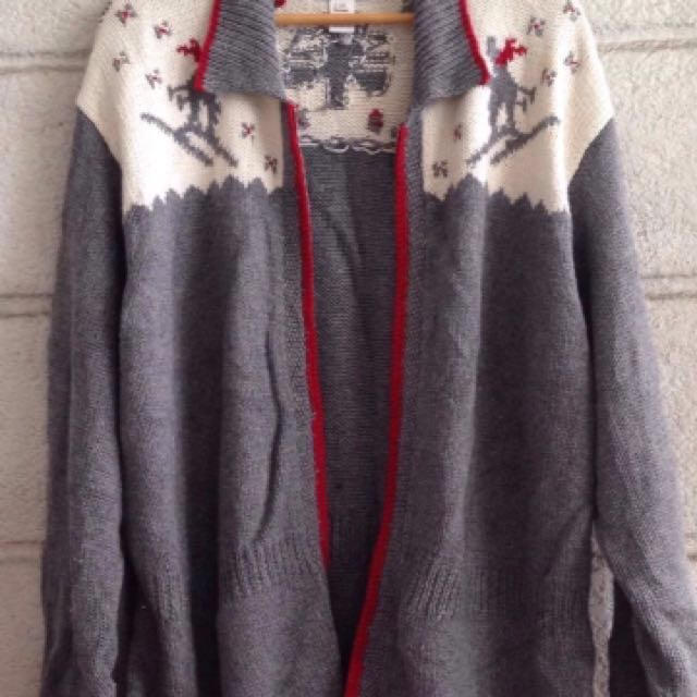 Branded sweater plus size