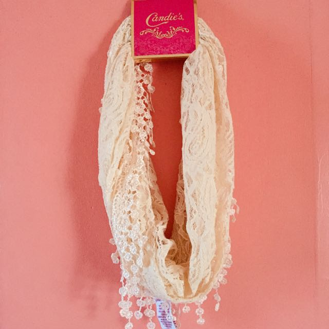 Candie's Fashionable Scarf