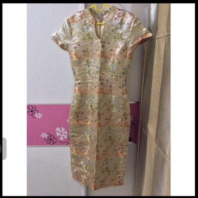 (Couture) Slim Gold Qipao