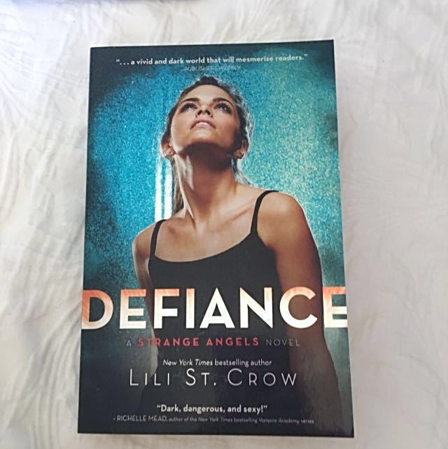 DEFIANCE - A strange Angels Novel